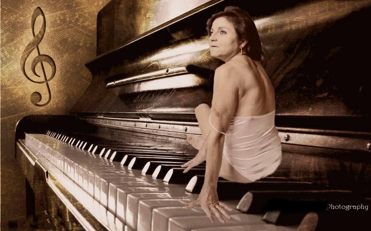 piano lady